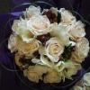 freesia-roses-and-hypericum